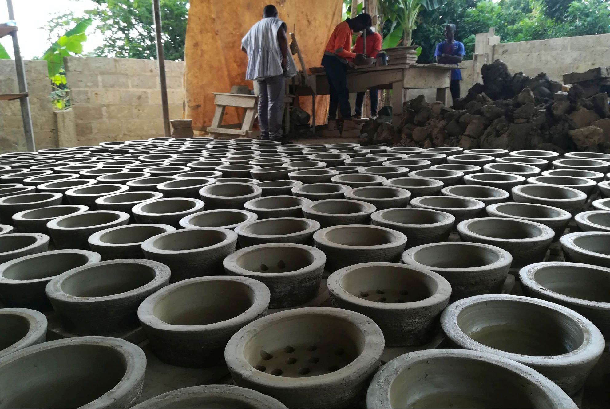 Production of improved cookstoves in Kumasi from the raw material of sheet metal and clay